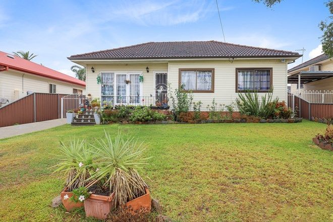 Picture of 38 Waminda Avenue, CAMPBELLTOWN NSW 2560