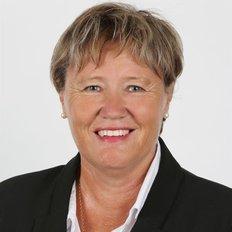 Cindy Thwaites, Property manager