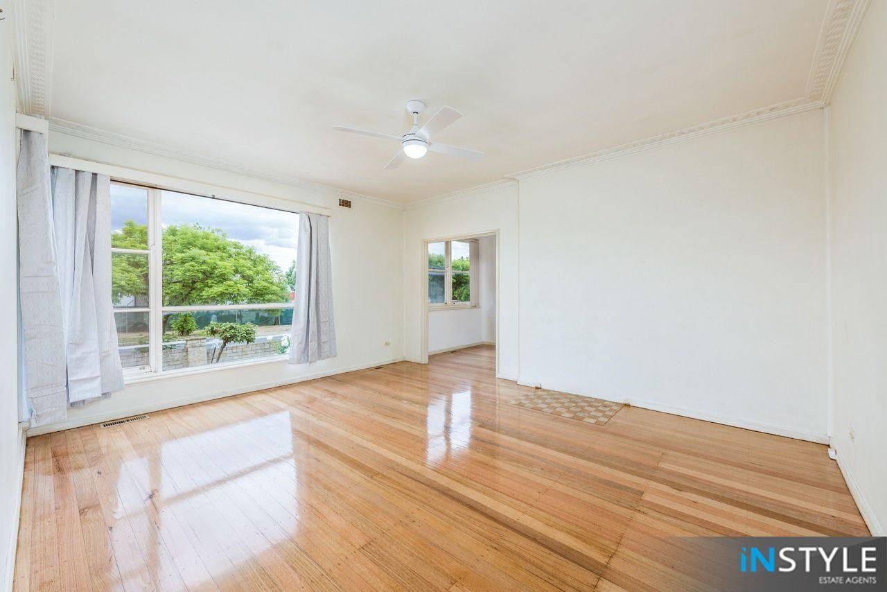 8 Richard Ave, Crestwood NSW 2620, Image 1
