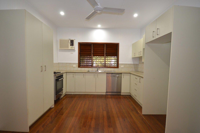 37 Collinson Street, Westcourt QLD 4870, Image 2