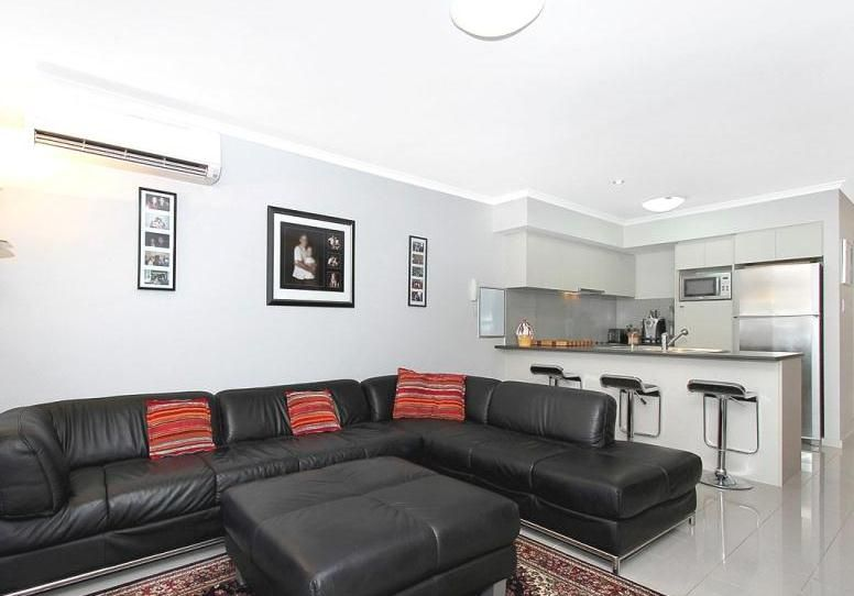 2/15 Carr Street, West Perth WA 6005, Image 2