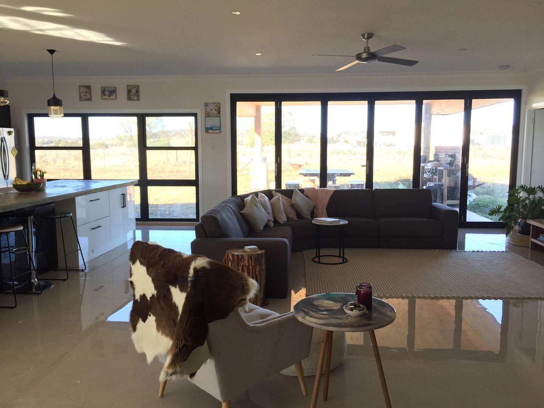 203 Coronation Avenue, Glen Innes NSW 2370, Image 2