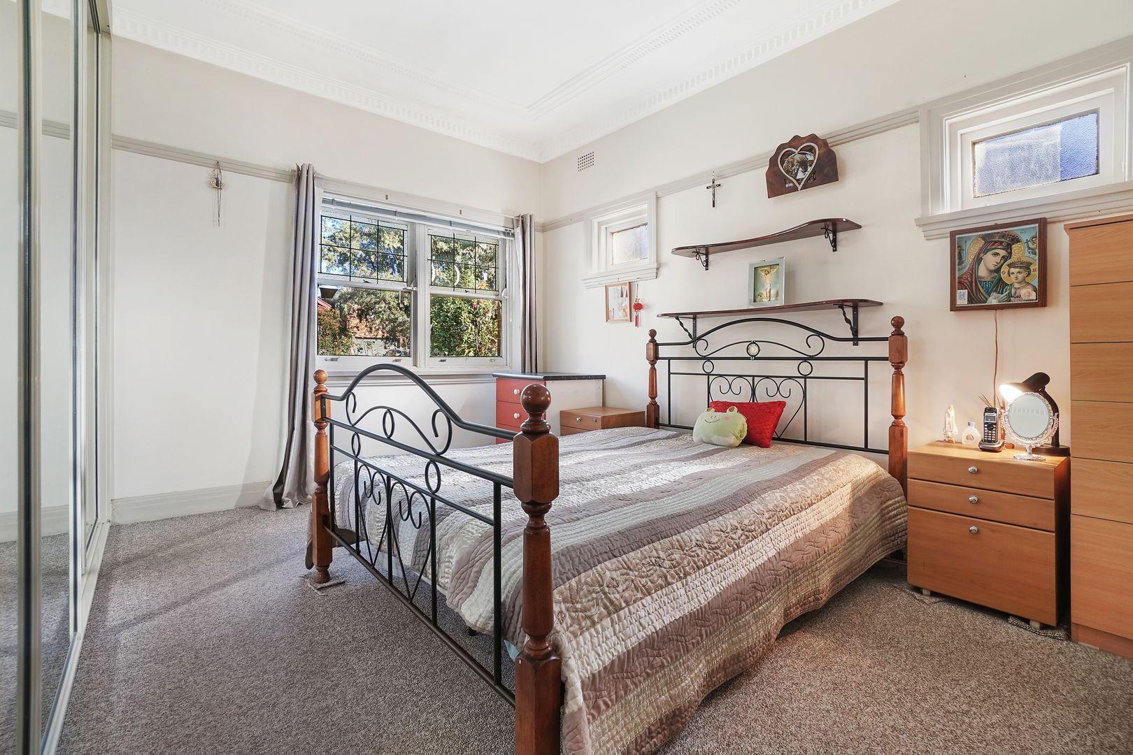 12 Nicholas Avenue, Campsie NSW 2194, Image 2