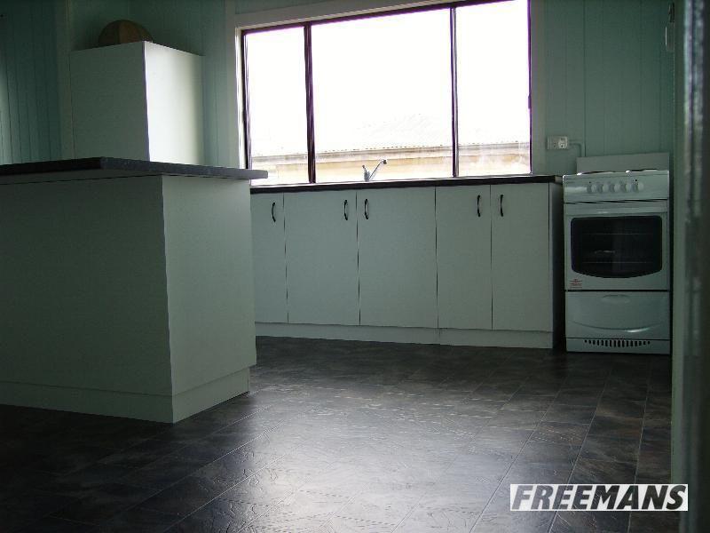 48 Gipps Street, Nanango QLD 4615, Image 2