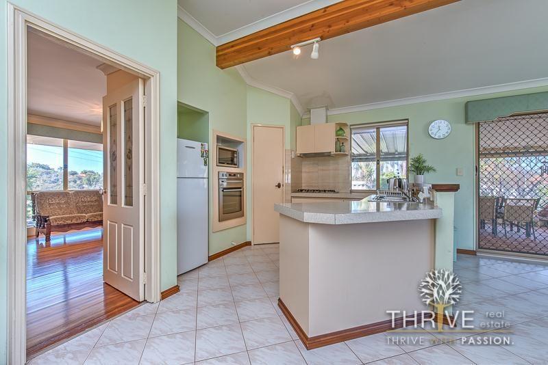 21 Seabrook Place, Success WA 6164, Image 2