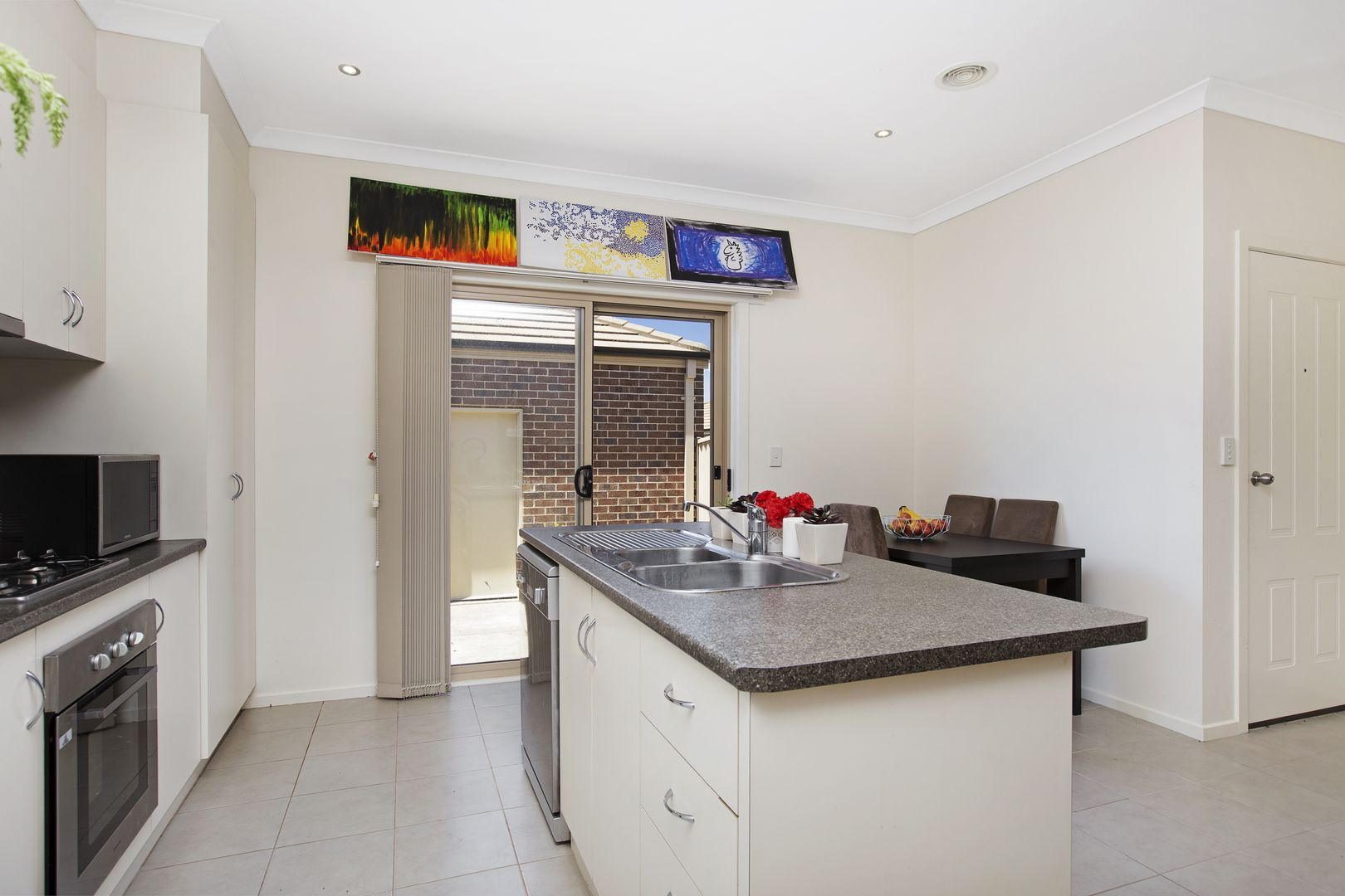 4/740 Geelong Road, Canadian VIC 3350, Image 2