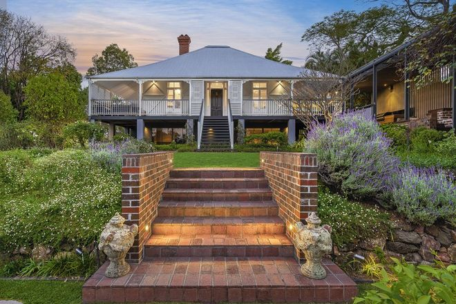 Picture of 15 Sisley Street, ST LUCIA QLD 4067