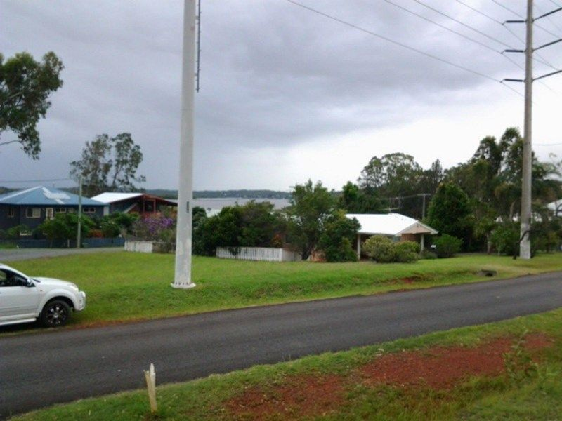 127 CANAIPA POINT DRIVE, Russell Island QLD 4184, Image 2