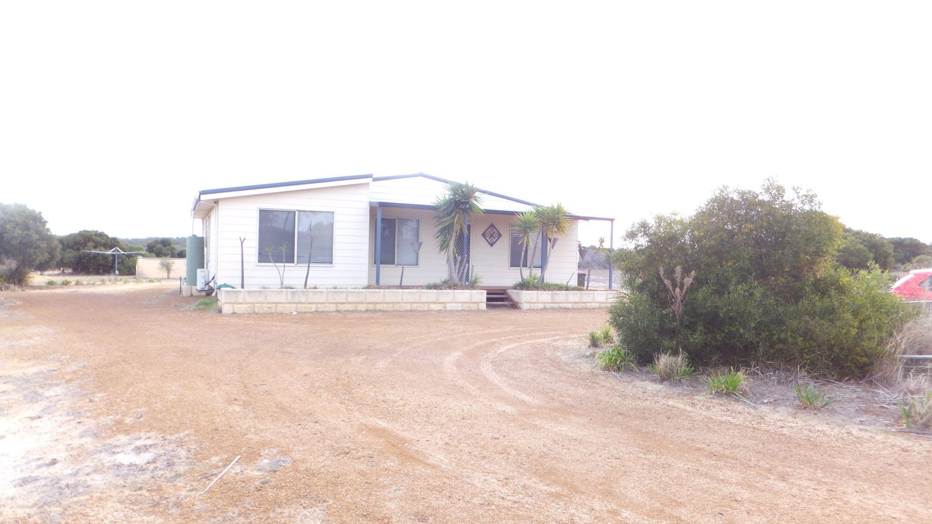 214 Banksia Rd, Hopetoun WA 6348, Image 1