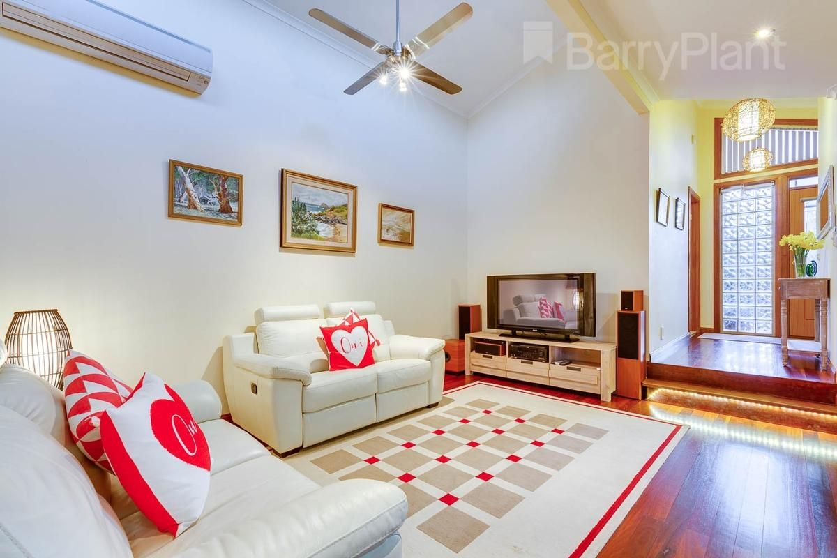20 Brett Court, Sunbury VIC 3429, Image 2