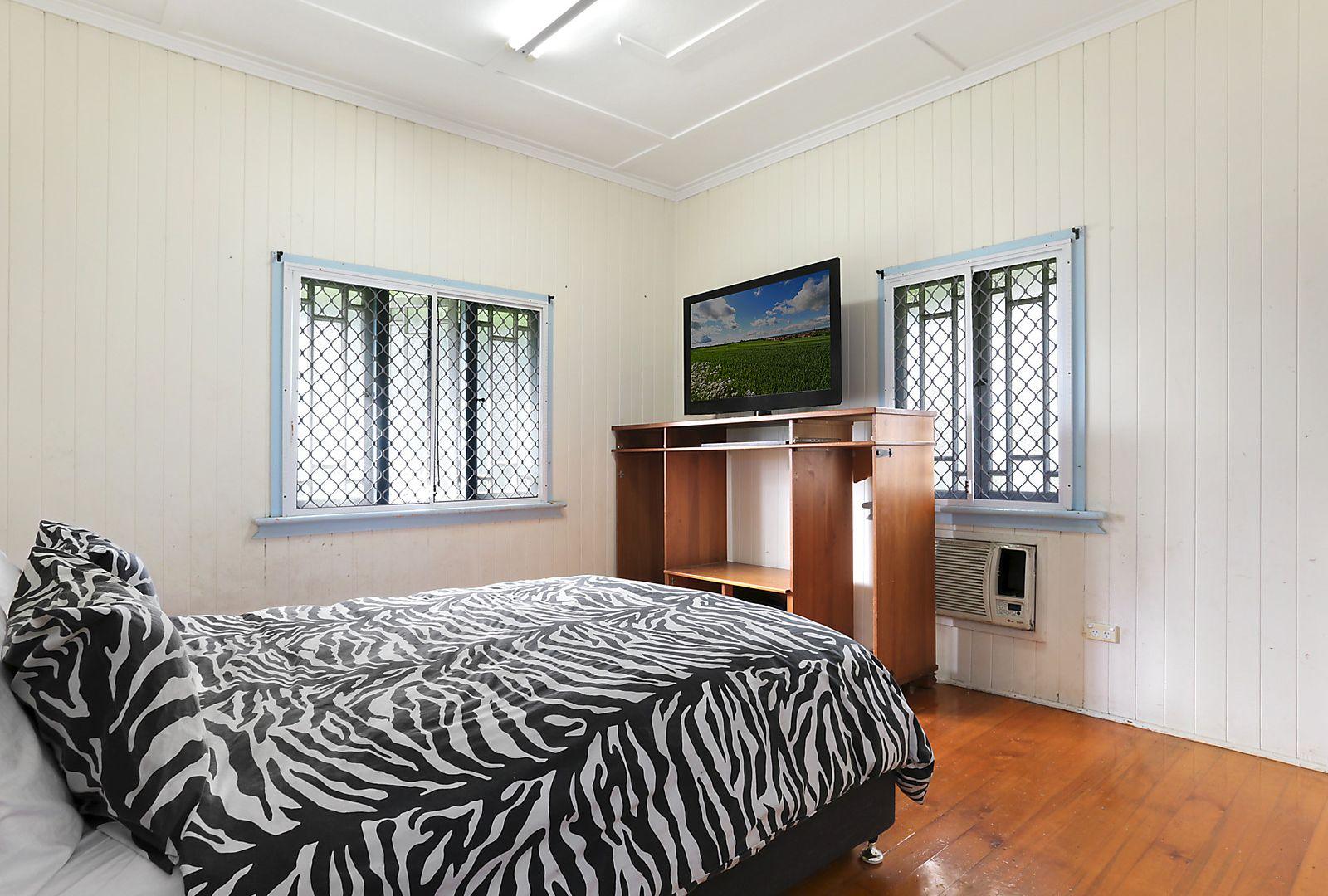 1 McMahon Street, Bundamba QLD 4304, Image 2