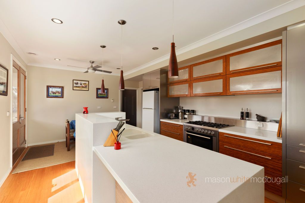 27 Ovens Circuit, Whittlesea VIC 3757, Image 2