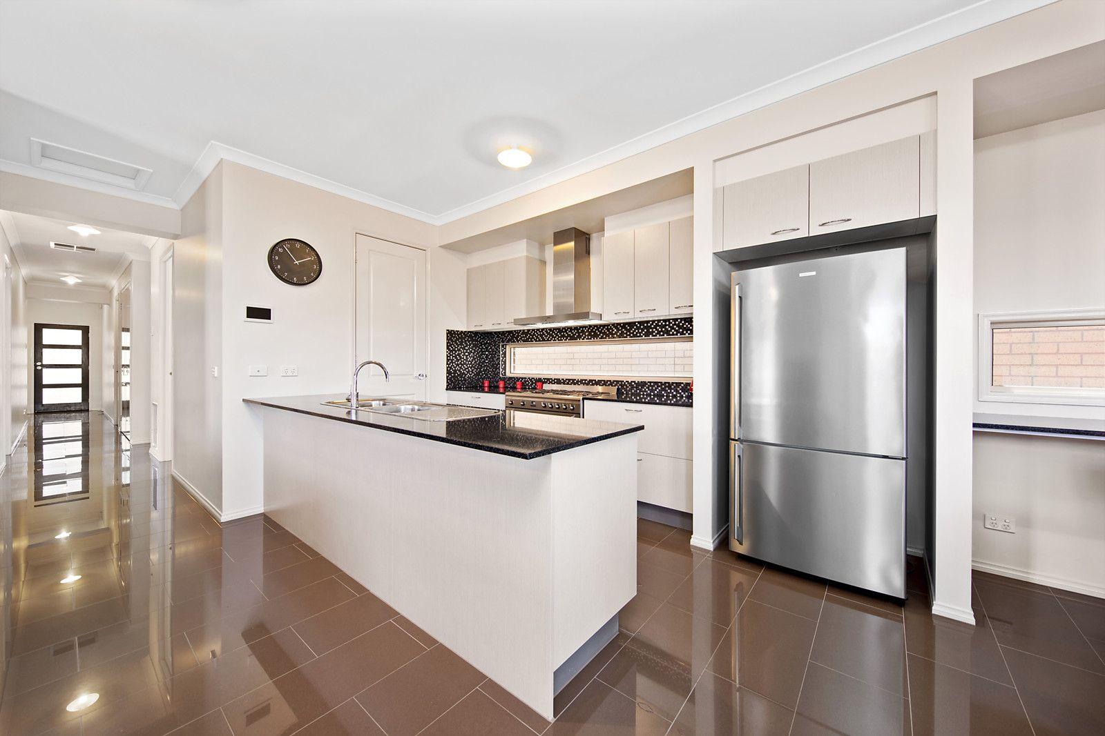 4 Ronald Street, Coburg North VIC 3058, Image 2