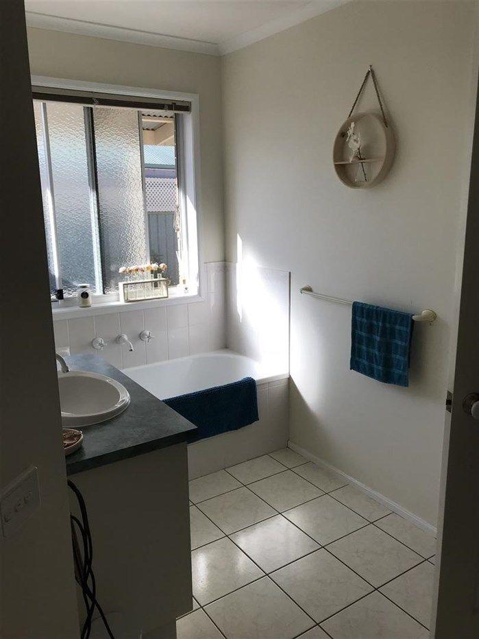 9 Tyrrell Court, West Wodonga VIC 3690, Image 2