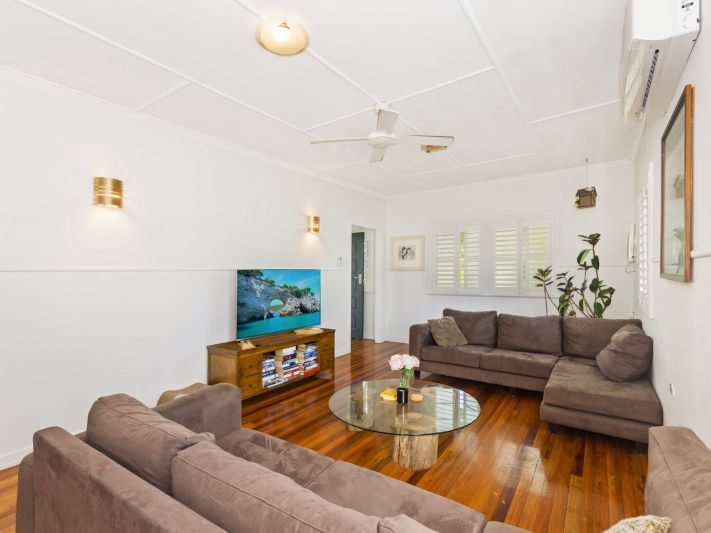 19 Kelly Street, Mundingburra QLD 4812, Image 2