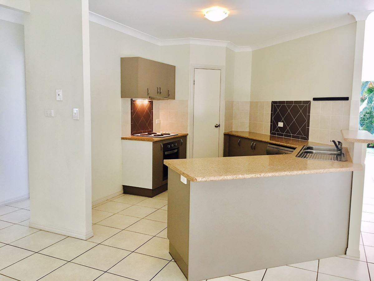 39 William Hickey Street, Redlynch QLD 4870, Image 2