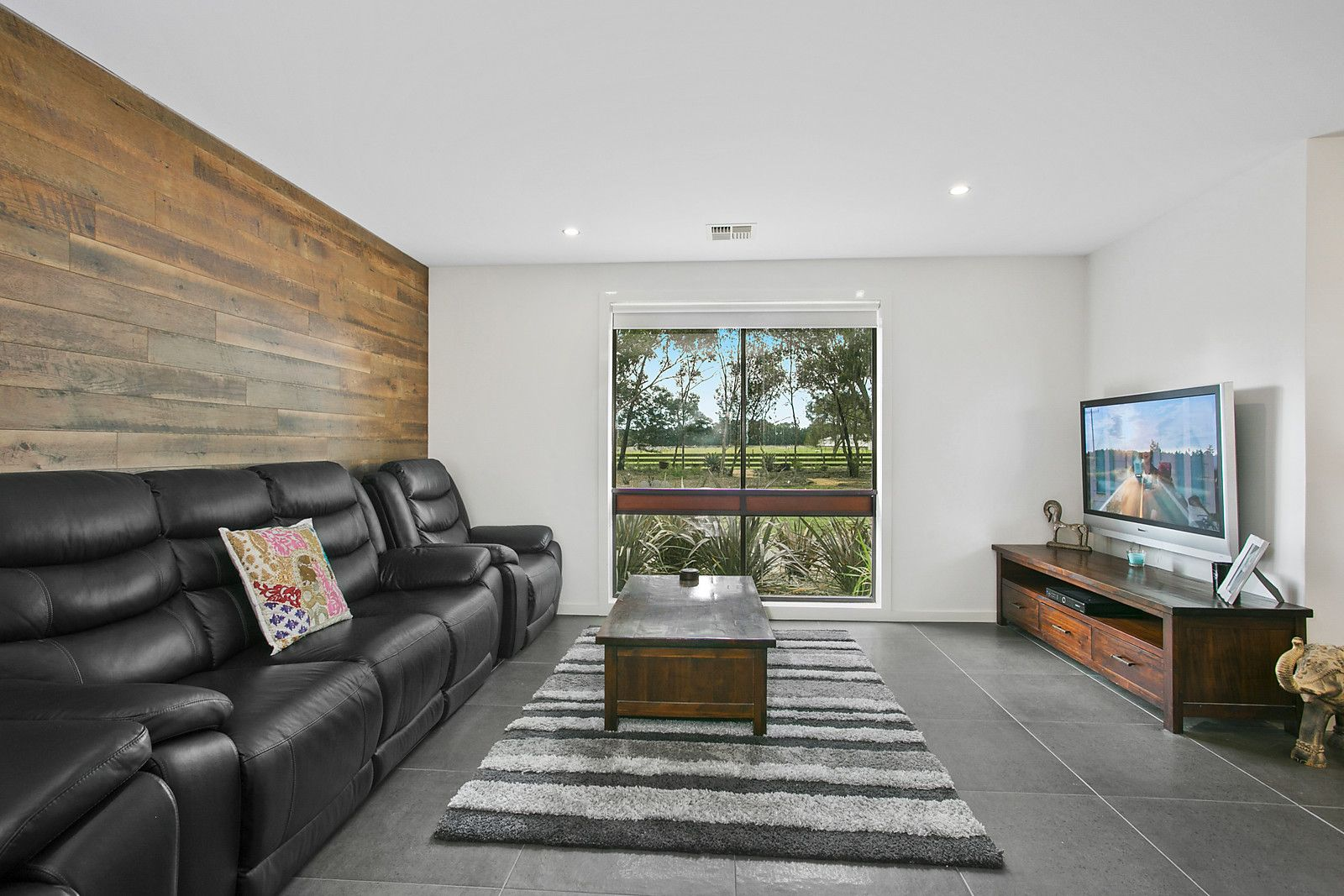 21-29 Chipperfield Drive, Moolap VIC 3221, Image 2