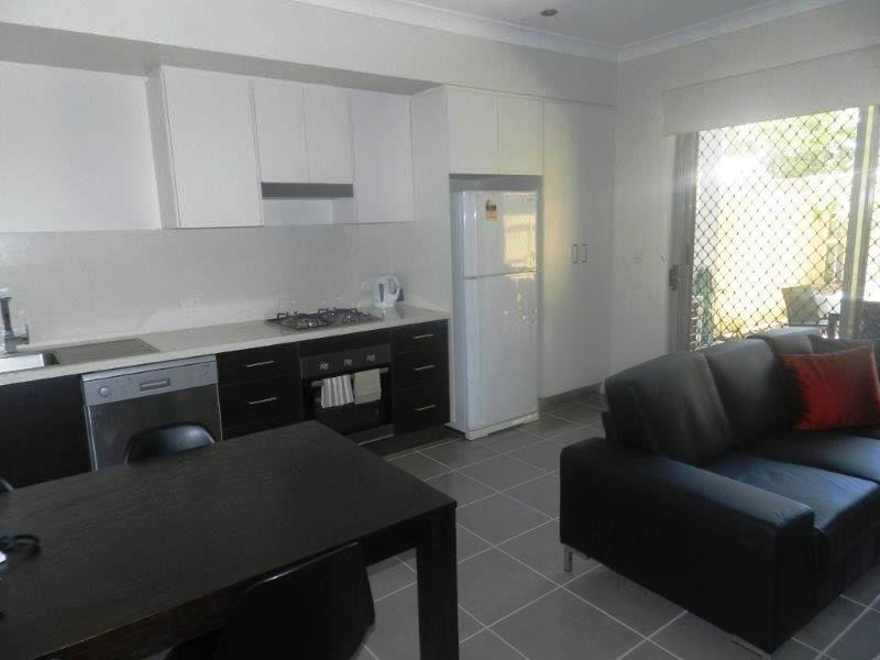 3/26 Rossella, West Gladstone QLD 4680, Image 2