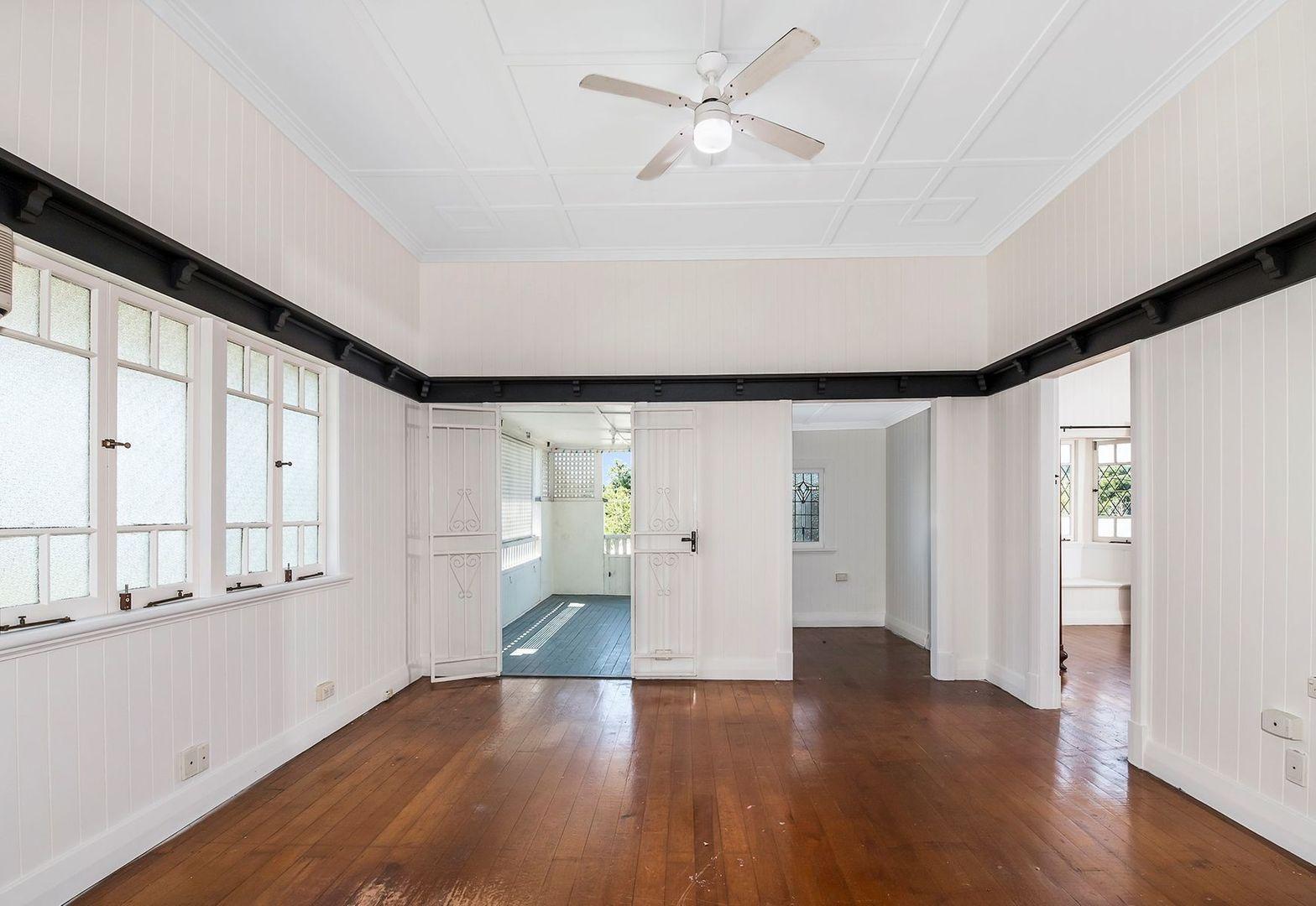 33 Lockyer Street, Camp Hill QLD 4152, Image 1