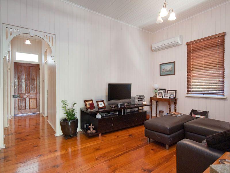 29 Gaunt Street, Newmarket QLD 4051, Image 2