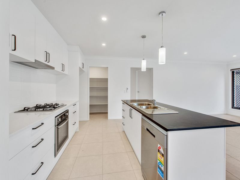 7 Bradleys Street, Ripley QLD 4306, Image 0