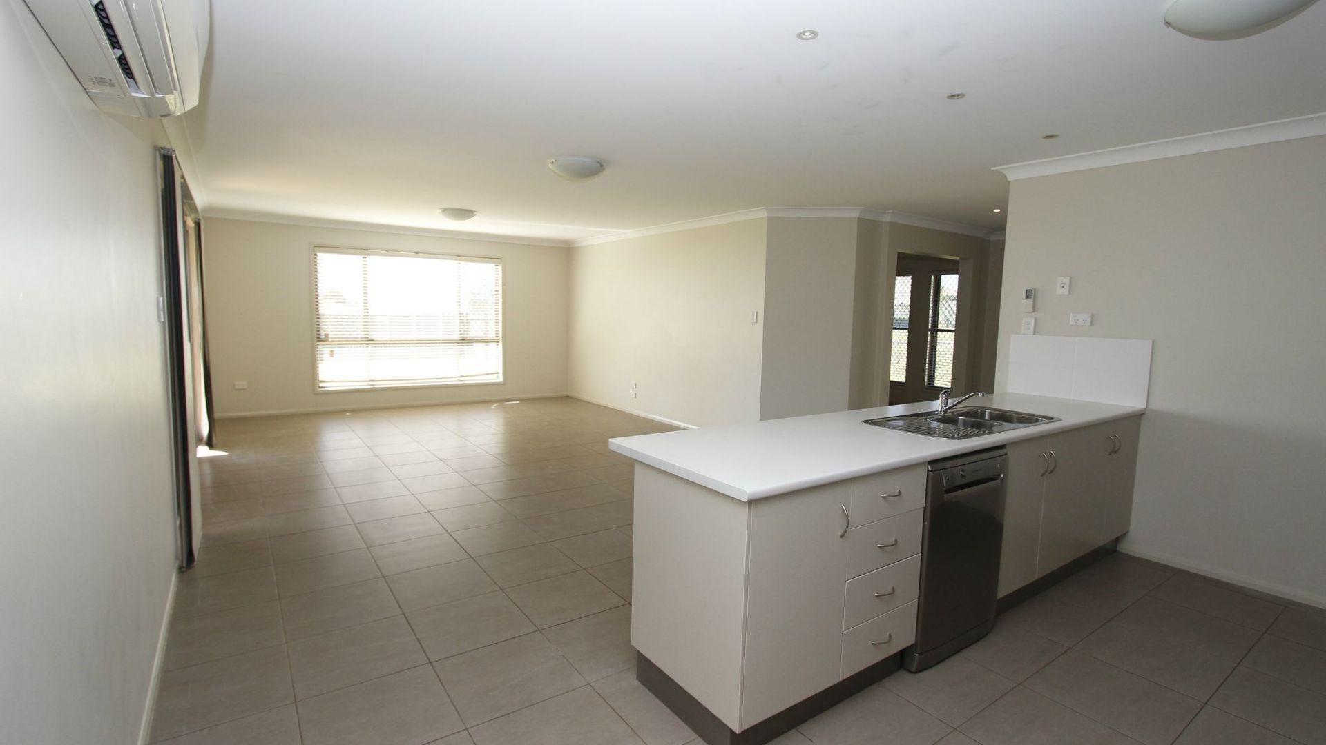 36 Kalimna Drive, Highfields QLD 4352, Image 2