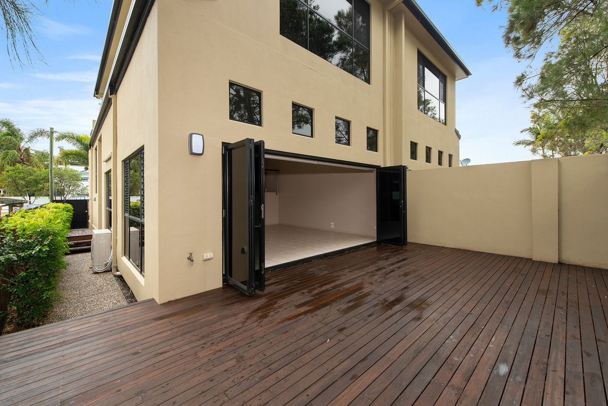 74B Dolphin Avenue, Mermaid Beach QLD 4218, Image 2
