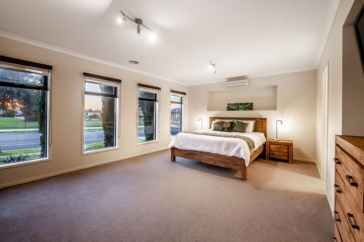 57 Stately Drive, Cranbourne East VIC 3977, Image 2