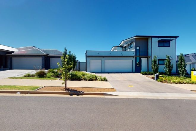 Picture of 11 Champagne Drive, DUBBO NSW 2830