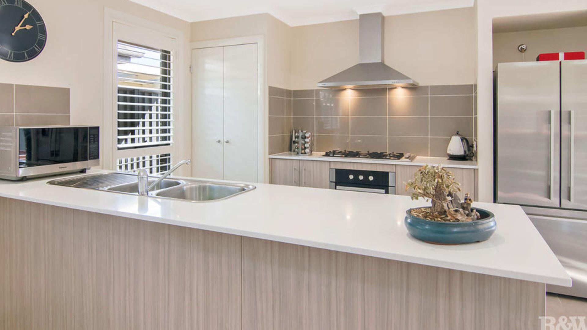 16 Baronga Street, Jordan Springs NSW 2747, Image 1