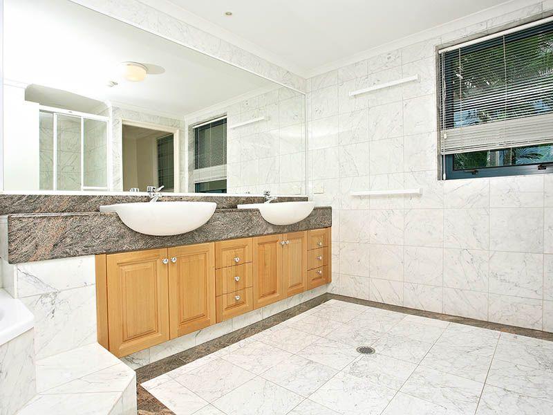 8 Goodwin Street, Kangaroo Point QLD 4169, Image 1