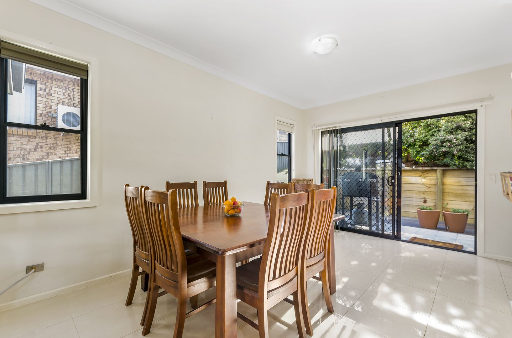 32 Bruce Street, Unanderra NSW 2526, Image 2