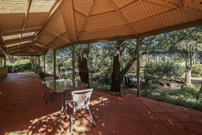 Picture of 1 Morrell Way, LESMURDIE WA 6076