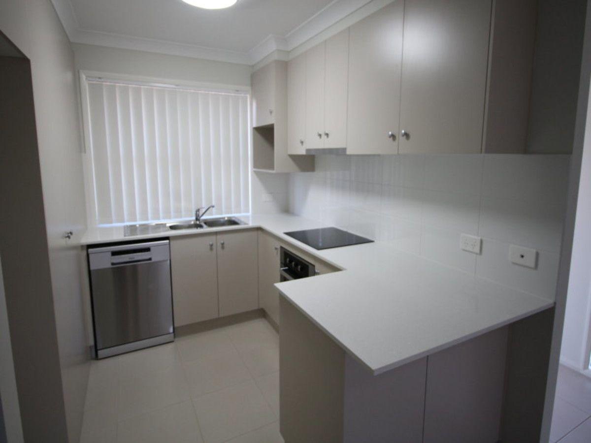 1/231 Greenwattle Street, Cranley QLD 4350, Image 2