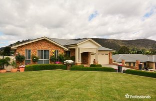 Picture of 19 Henderson Place, Lithgow NSW 2790