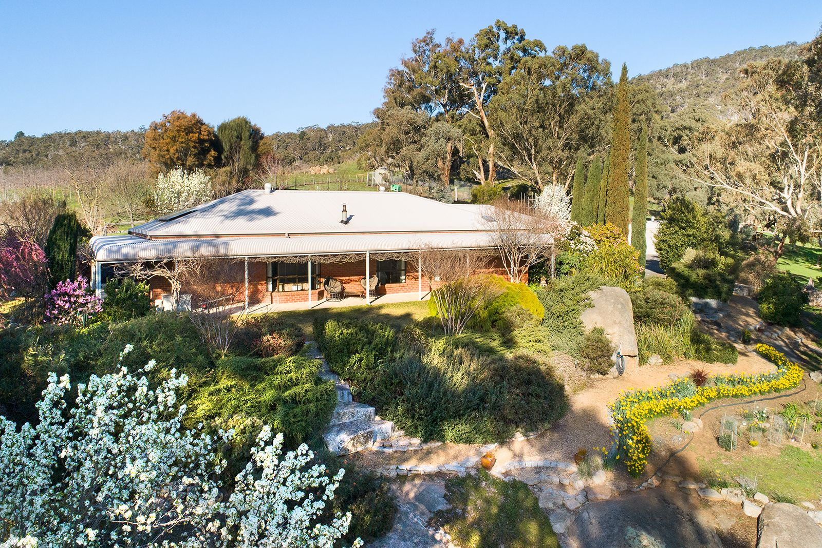 138 Coopers Road, Harcourt North VIC 3453, Image 0