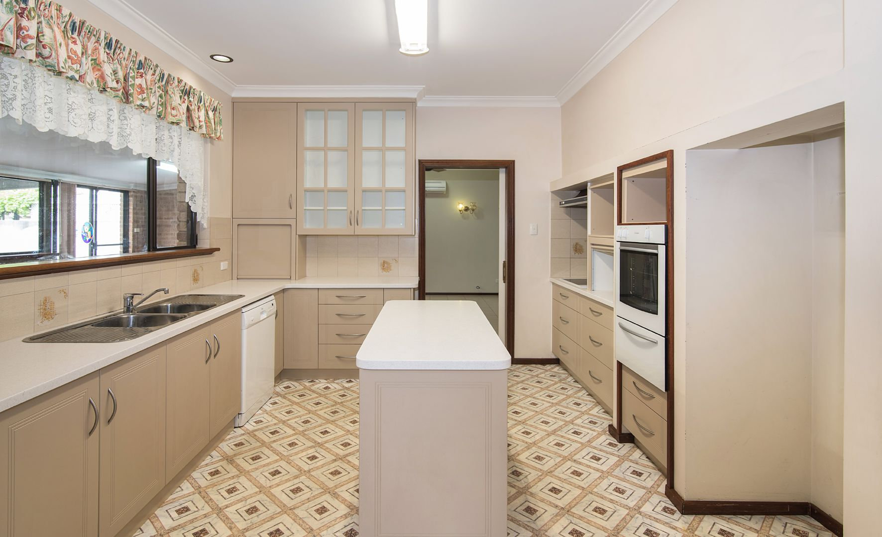 4 Adelaide Street, Busselton WA 6280, Image 1
