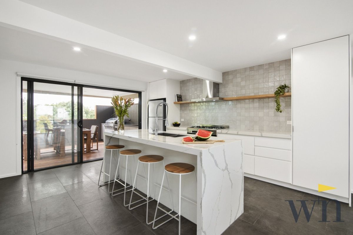 84 Seaview Avenue, Safety Beach VIC 3936, Image 2