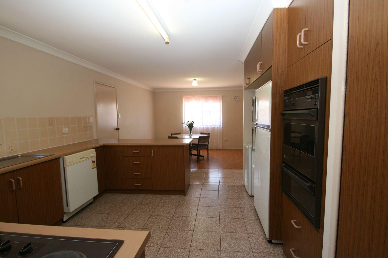 20 McGregor Terrace, Stanthorpe QLD 4380, Image 2