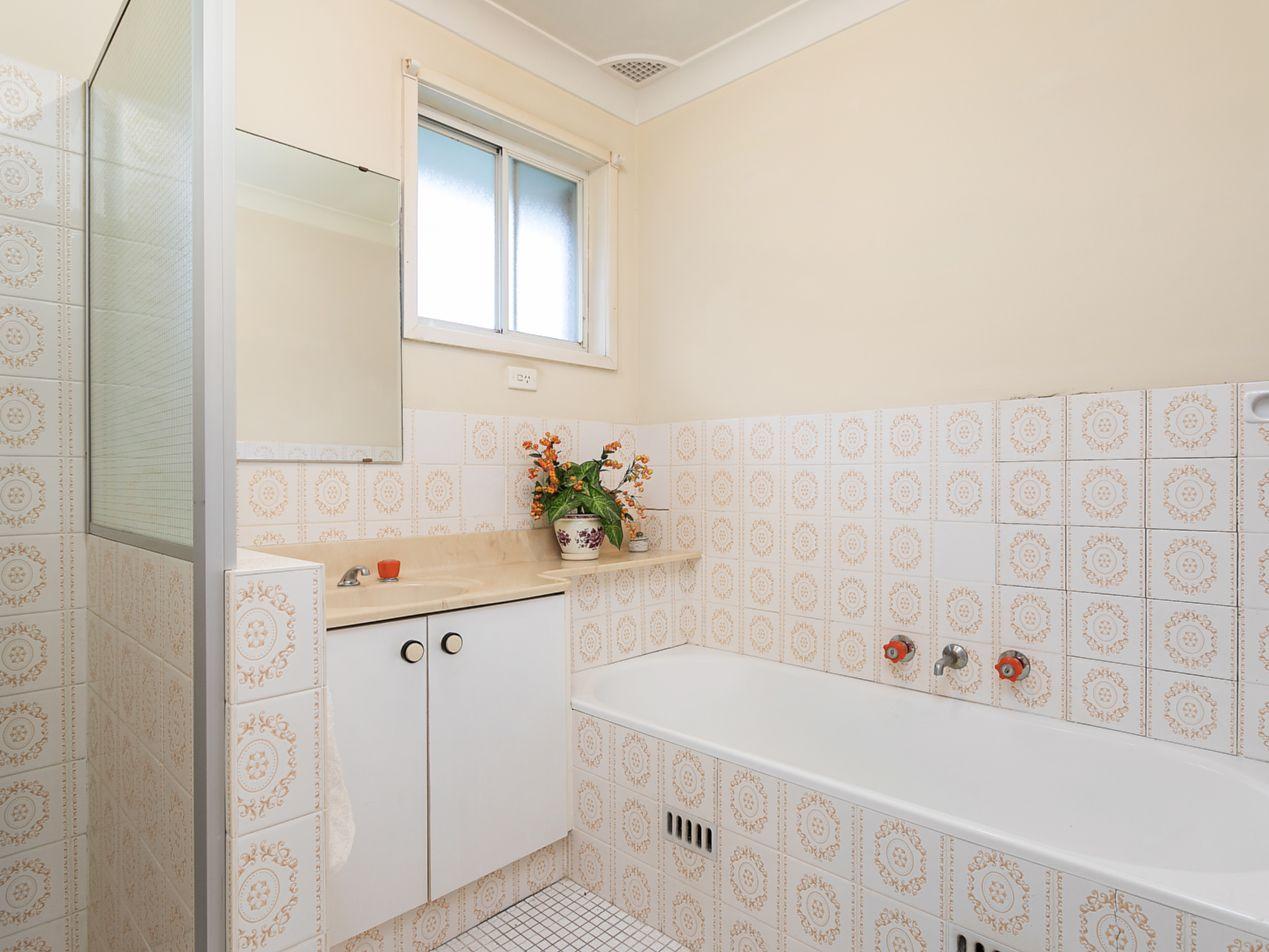32 Luculia Avenue, Baulkham Hills NSW 2153, Image 2