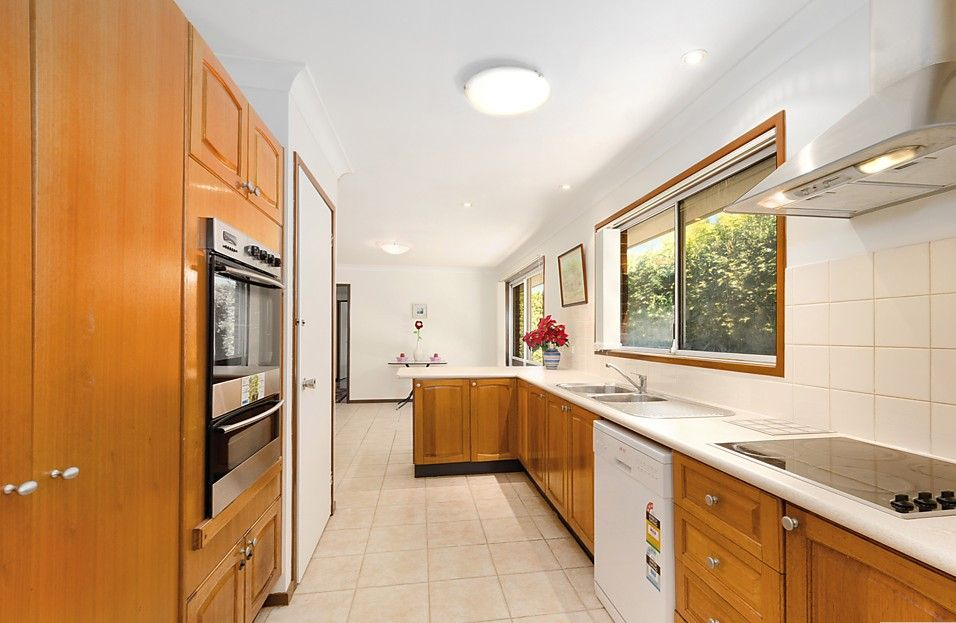 31 Freeman Avenue, Castle Hill NSW 2154, Image 2
