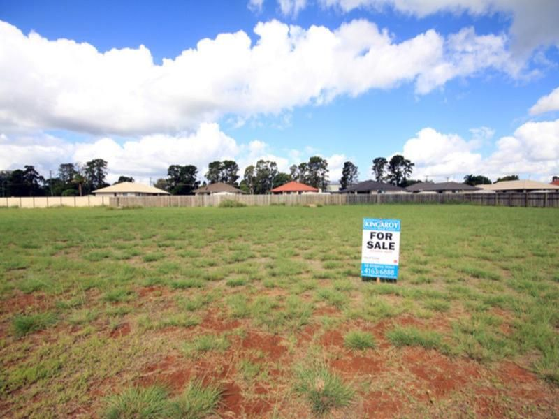 33 Oasis Drive, Kingaroy QLD 4610, Image 0