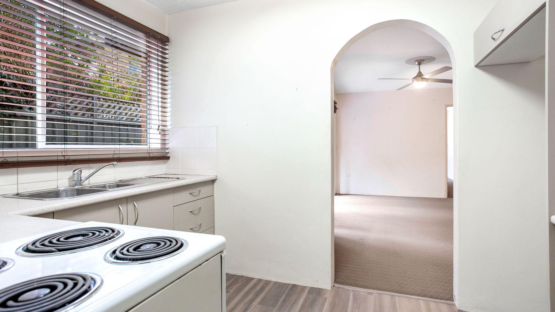 2/8 Messines Street, Shoal Bay NSW 2315, Image 2