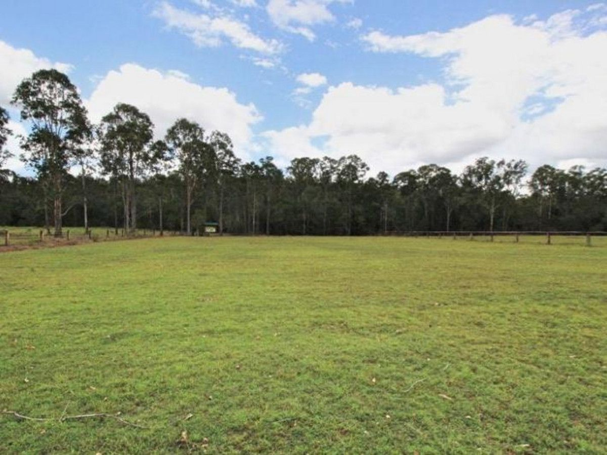 13 Park Avenue, North Isis QLD 4660, Image 2