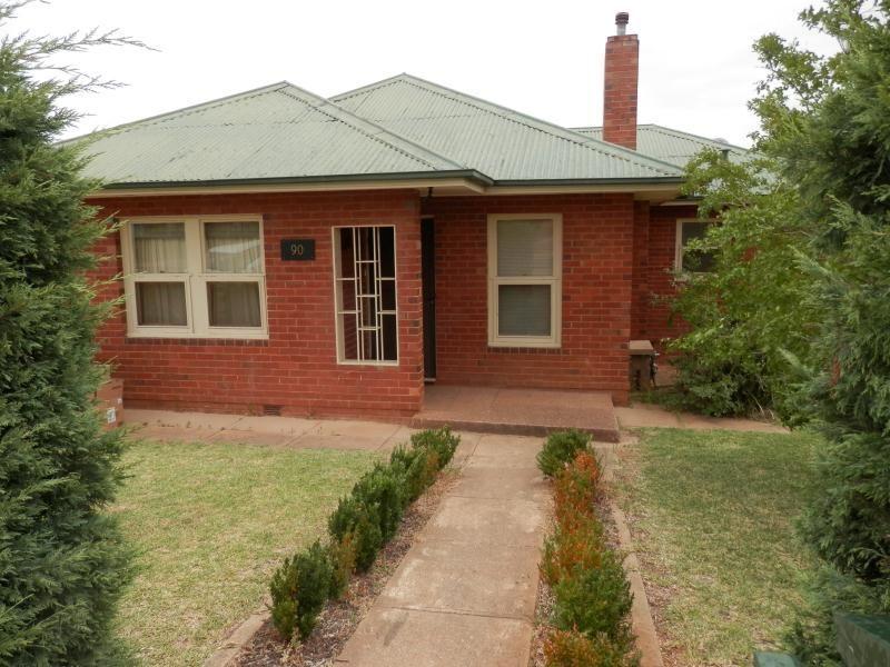 90 Mitchelmore Street, Turvey Park NSW 2650, Image 0