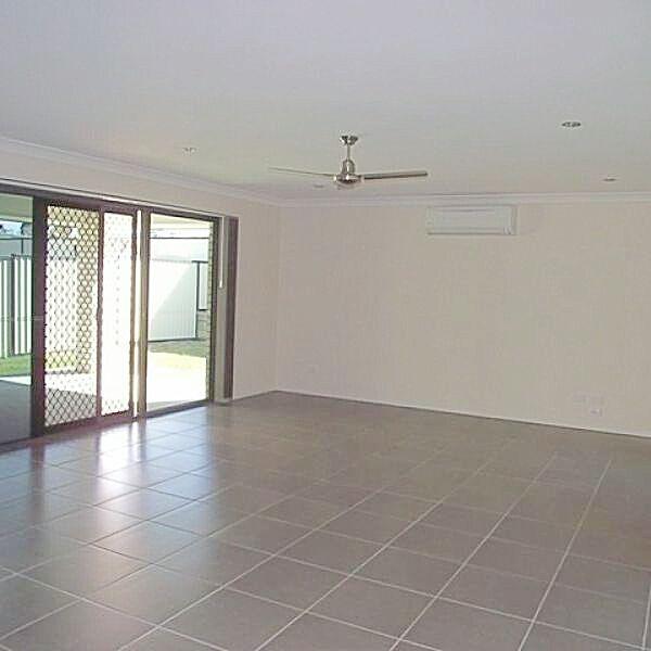 5A Lambert Drive, Moranbah QLD 4744, Image 2