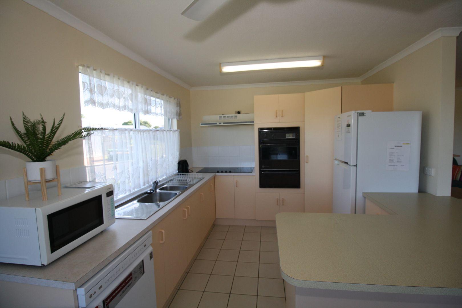 5/13-15 Corner of Pulgul Street and Dayman Street, Urangan QLD 4655, Image 2