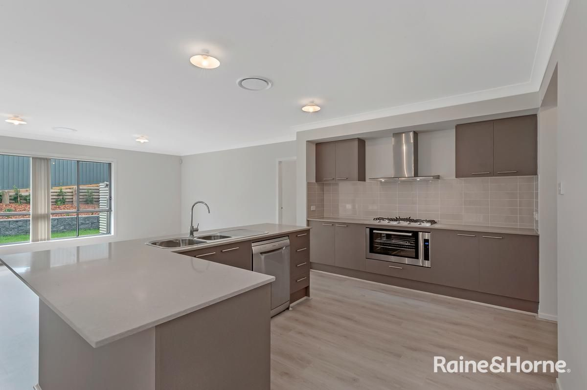 7 Kinnick Place, North Kellyville NSW 2155, Image 2