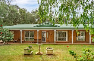 Picture of 5 Feast Place, Leschenault WA 6233