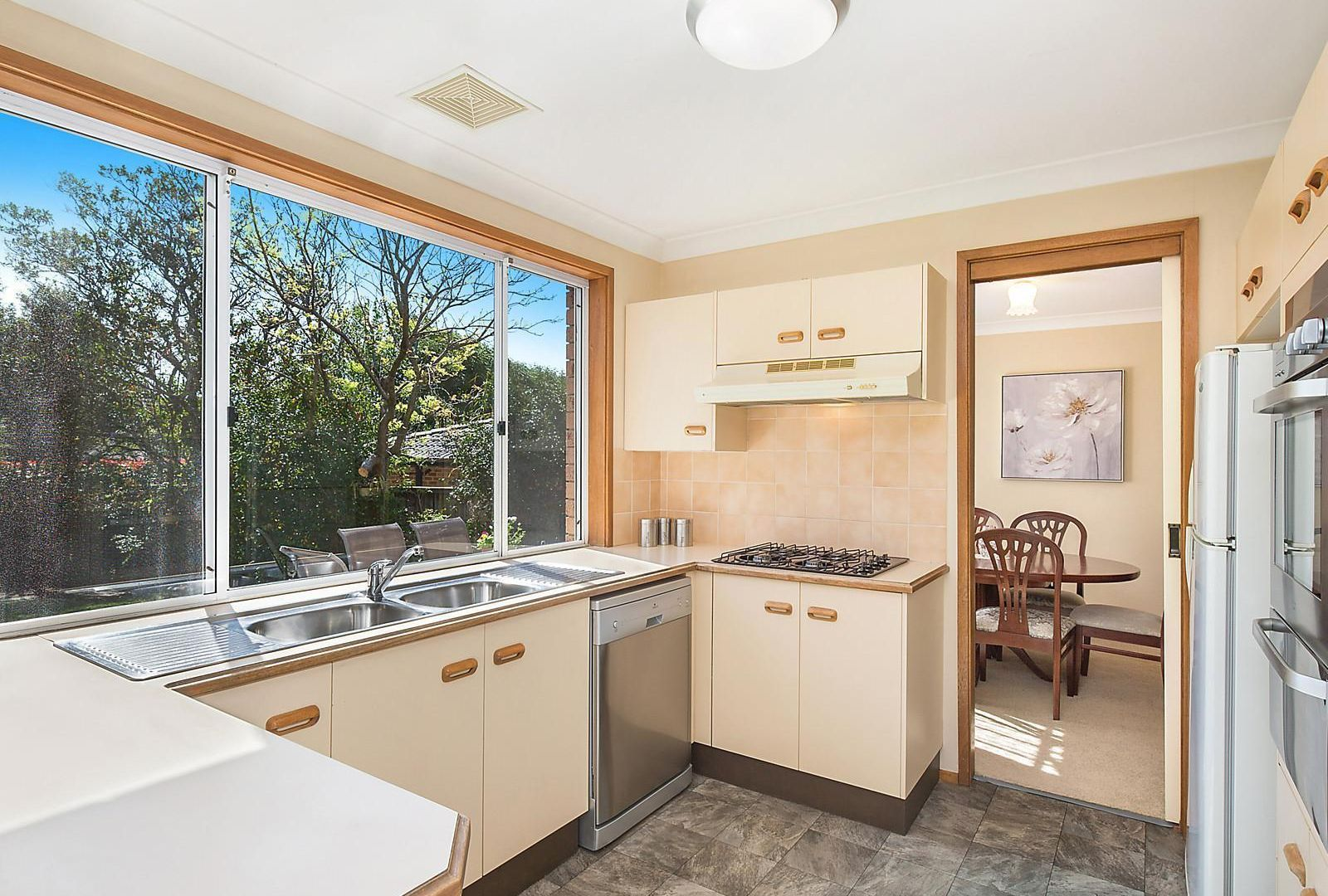 7 Erlestoke Place, Castle Hill NSW 2154, Image 2